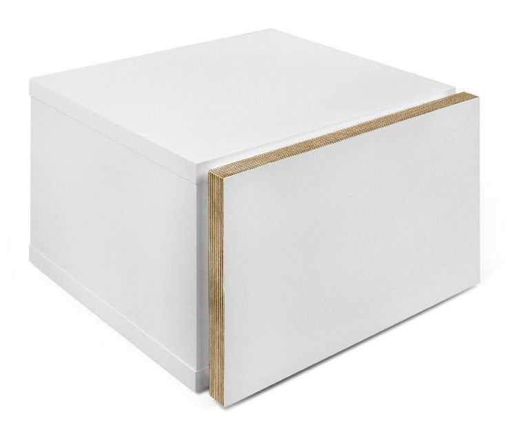 Float Nattbord - Hvit - Elegant nattbord som hører til det minimalistiske konceptet fra Float kolleksjonen. Nattbordet har en fin og praktisk skuff. Bordets lille størrelse gjør at det passer inn i alle hjem. Kombinér ev. med sengeramme i samme serie og fullfør stilen.