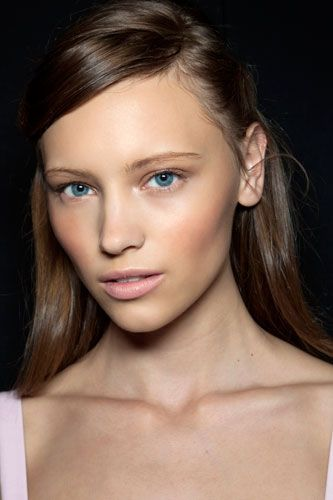 How To Apply Foundation For Flawless Skin