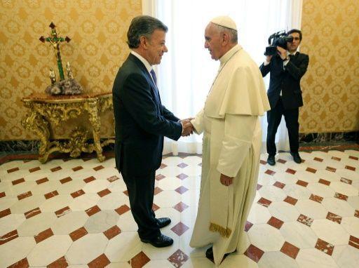 Papa reitera su apoyo a las negociaciones de paz en Colombia