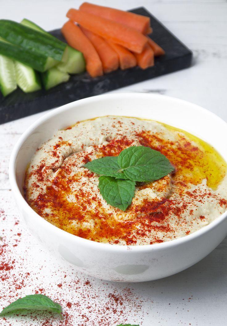 simple hummus recipe @NadiasRecipes/