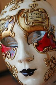 Best 25 paper mache mask ideas on pinterest papier for Paper mashing craft