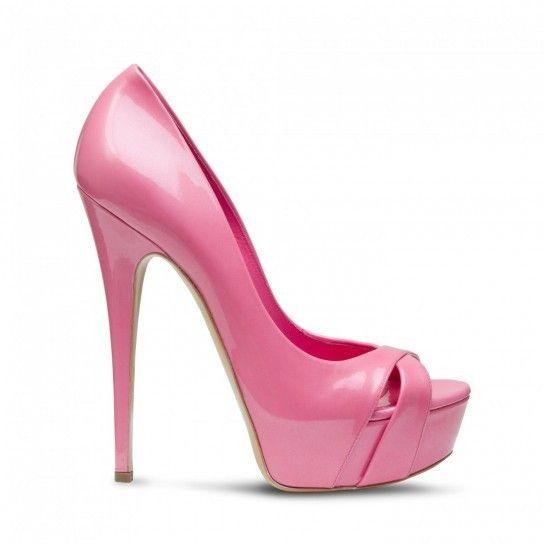 Scarpe con tacco alto non possono Mancare assolutamente in guardaroba.