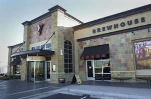 BJ's Restaurant and Brewhouse located at 461 West Esplanade Drive in #Oxnard