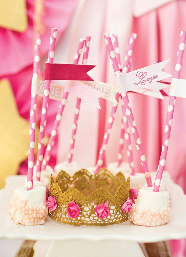 Adorable gold lace crowns with pink flowers (easy DIY)
