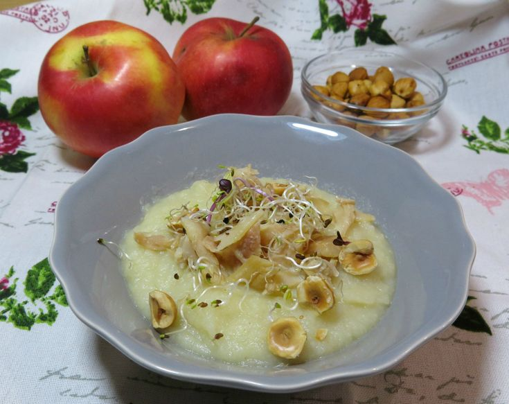 purè+di+sedano+rapa+e+mela+con+filetto+di+trota+affumicata+e+nocciole