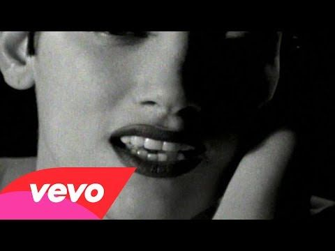 Martika - I Feel The Earth Move - YouTube