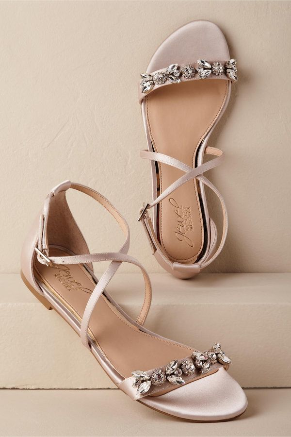 Wedding Shoes That Aren T Heels For Brides Who Put Comfort Above All Else Wedding Sandals Wedding Shoes Sandals Wedding Shoes
