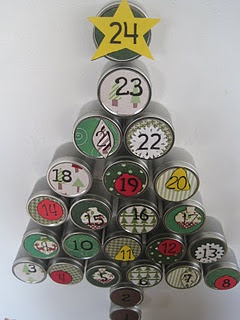 DIY christmas advent calendar - tins that open for goodies and have magnets on the back