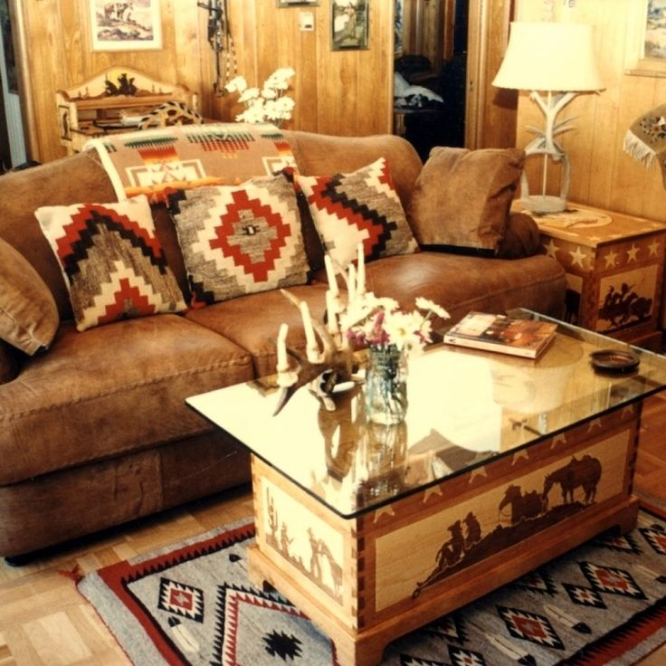 Top 25 best western living rooms ideas on pinterest western house decor western wall decor for Country western living room decorating ideas