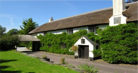 Around About Britain :: Hotels, B & Bs, Self Catering Holiday Cottages and Campsites in Somerset, South West, UK
