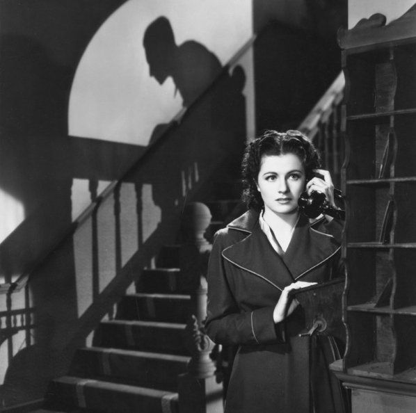 Margaret LOCKWOOD (1916-1990) [HF] in NIGHT TRAIN TO MUNICH (1940), an excellent film in which she starred opposite Rex Harrison and Paul Henreid