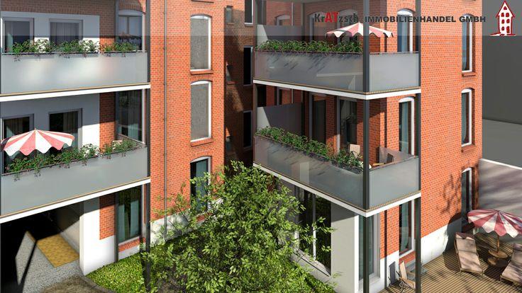 Auf der Rückseite des Hauses werden bodentiefe Fenster verbaut, welche ein schönes Licht in die Wohnungen transportieren.  Die Balkone mit einer Größe von ca. 15m² werden neu angebaut. Milchglas schützt die Privatsphäre, lässt aber Licht hindurch.