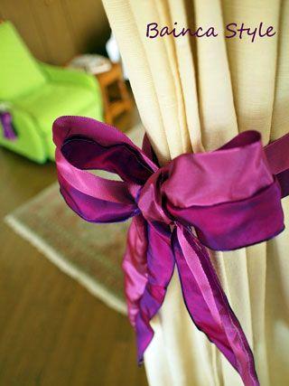 カーテンタッセルのかわりにリボンを:フェアビアンカ 横浜フラワー ... カーテンタッセルと言っても、私が使っているのは単なるリボンです。 グリーンに合わせてラベンダー紫と濃紫のリボンをチョイスしました。