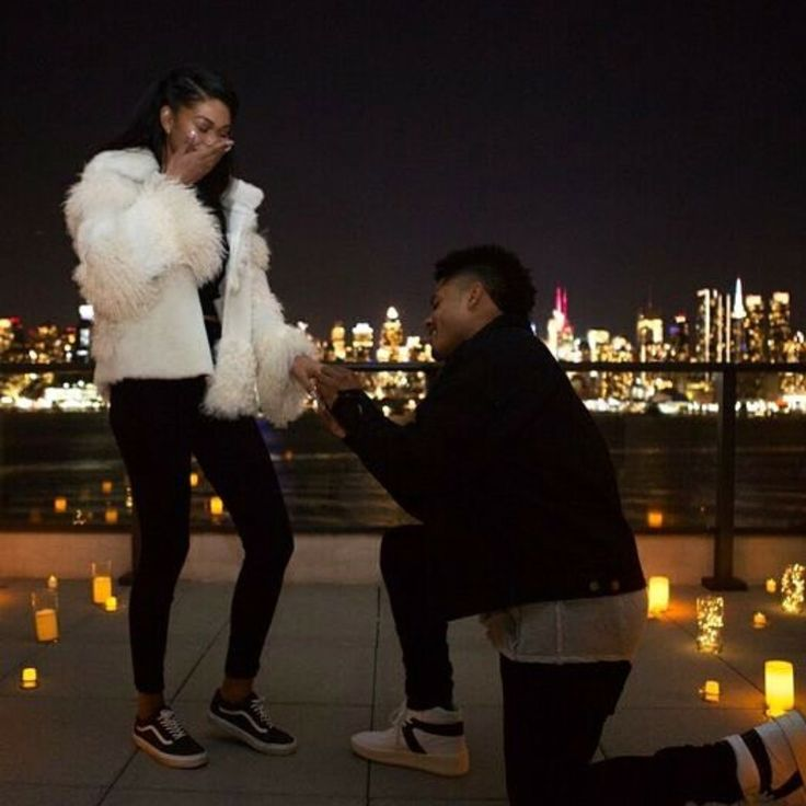 Model Chanel Iman and NFL player Sterling Shepard are engaged  http://ift.tt/2jatSKi