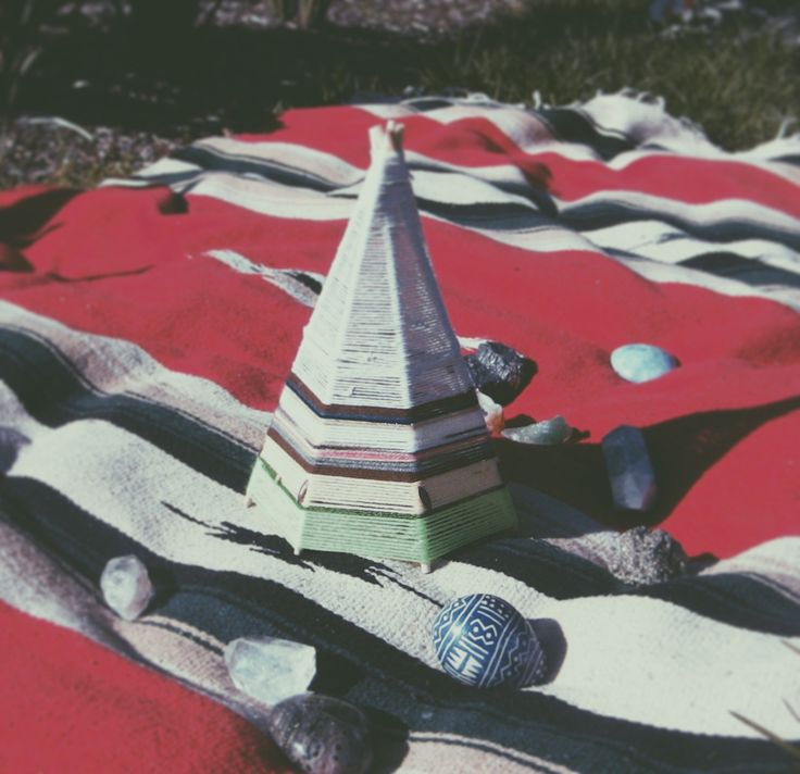 New designs for your altar or healing space . #teepee #altar #crystals #nativeamerican #weaving #ceremony #ritual #healing #intention #focal #shaman #weavers