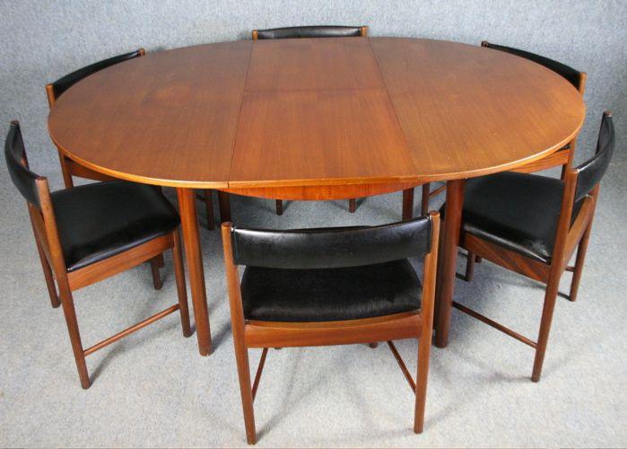 Oltre 25 fantastiche idee su Tavoli quadrati su Pinterest  : 49a55ea6f41340b86379a1c870d795cf mcm furniture table and chairs from it.pinterest.com size 699 x 500 jpeg 51kB