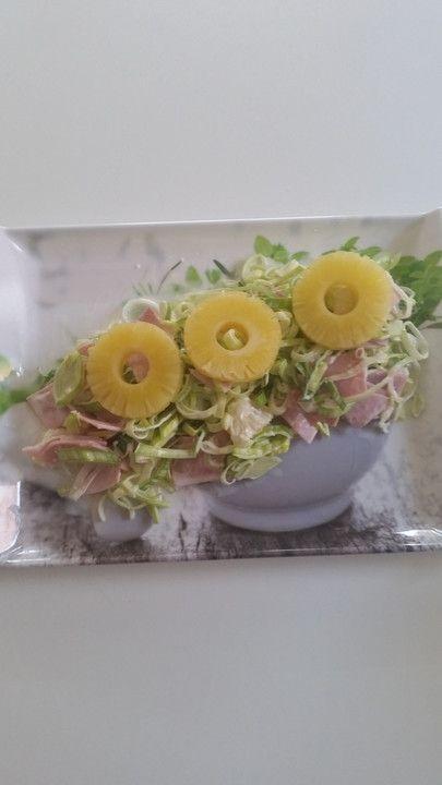 Porreesalat mit Ananas und Schinken