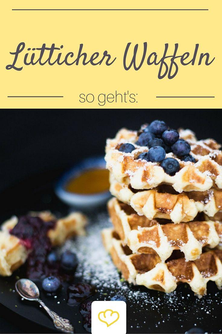"""Lütticher Waffeln mit Blaubeer-Limetten-Sauce - ein köstliches Rezept von Bloggerin Michaela von """"Törtchenherzog"""""""