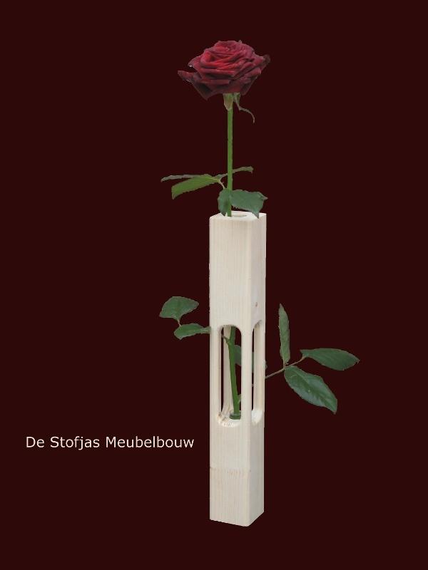 Nooit heeft een enkele roos zo in de belangstelling gestaan