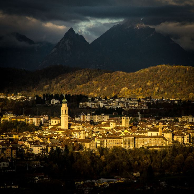 Risveglio. Belluno touched by the ray of light #Italy