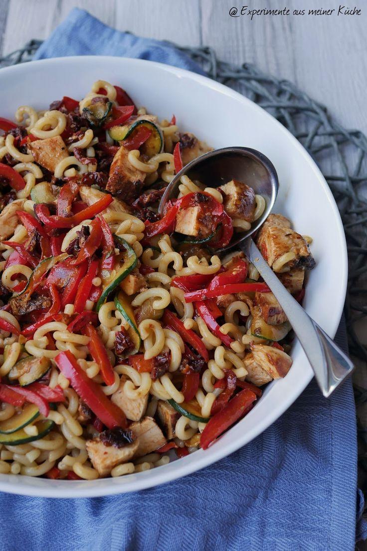 die besten 25 leichter nudelsalat ideen auf pinterest nudelsalat kalorienarm salat rezepte. Black Bedroom Furniture Sets. Home Design Ideas