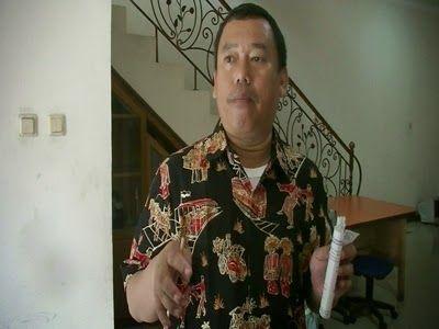 TANGERANG SELATAN, korantangsel.com- Keributan di TPS kerap kali terjadi saat pemilu. Keributan kecil ini, terjadi di Tangerang Selatan tepa...