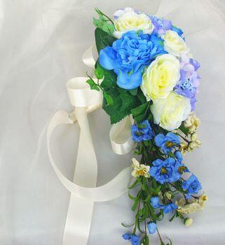 Image from http://i01.i.aliimg.com/wsphoto/v0/833744197_1/New-Arrival-Waterfall-Shape-Oversized-Super-Beautiful-Blue-Wedding-Bridal-Bouquet-Simulation-Flower-Free-Shipping.jpg_350x350.jpg.