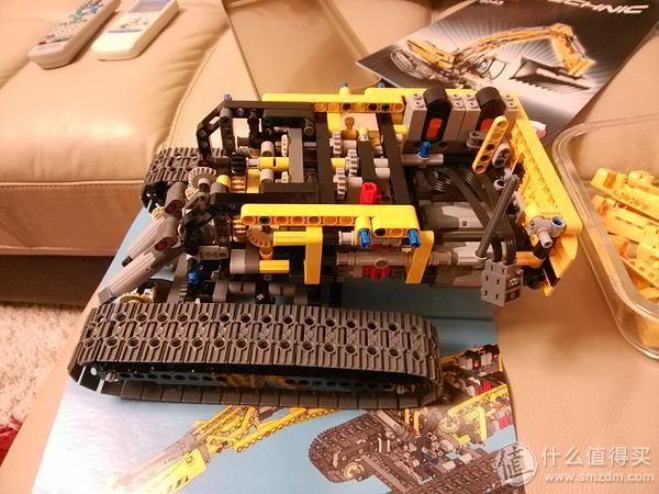 LEGO 8043 Technic Motorized Excavator Compared with the TaoBao and the other electric commercial of German, Ameria, Japan and China, I find it is cheapest in Taobao in China.