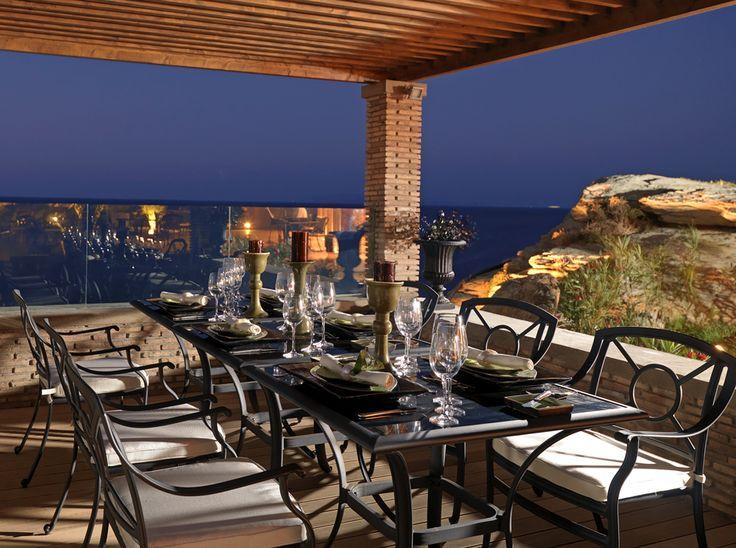 Safran pool restaurant