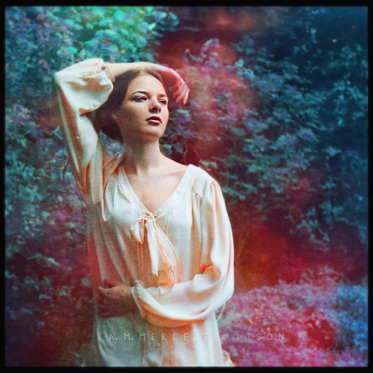 Make me feel by la-monalisa.deviantart.com