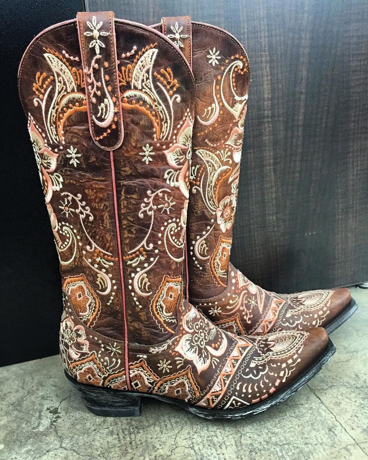 The OLIVIA boots are fun and sure to make a statement - perfect for rodeo season! #oldgringoboots
