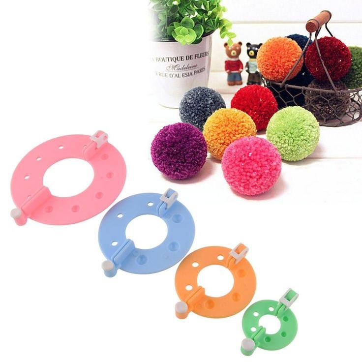 Hot 1 Set 4 Ukuran Pom Pom Pembuat Fluff Bola Weaver Jarum Wol Knitting Alat Benang Kit drop pengiriman