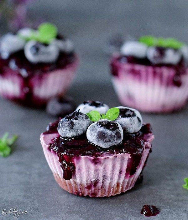 Fruit cupcakes are a rich source of fiber and are much better choice than a piece of chocolate. It will be a good choice for summer days.