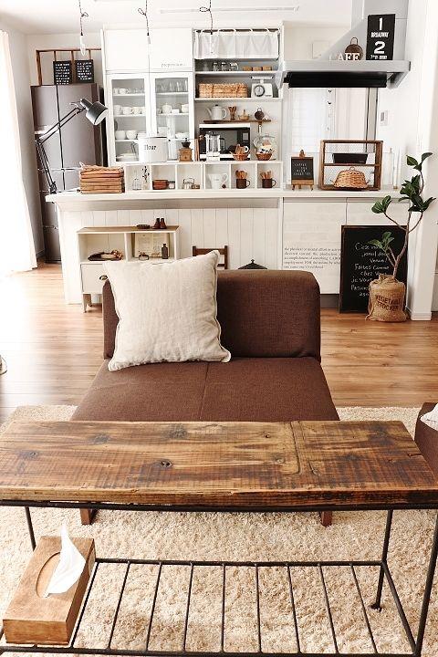 ナチュラルとメンズライクの融合 ココチエ(kokochie) White and woods. Livingroom