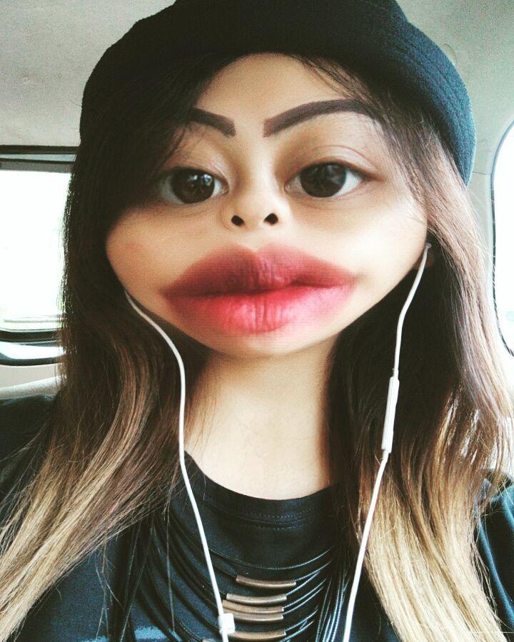 Iya nih abis filler bibir...  #sexylips #kissable