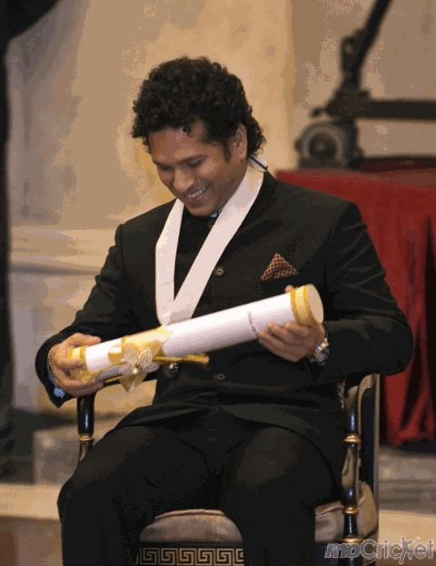 Bharat Ratna, the highest civilian honour was conferred on cricket maestro Sachin Tendulkar. For unseen images click http://mocricket.com/