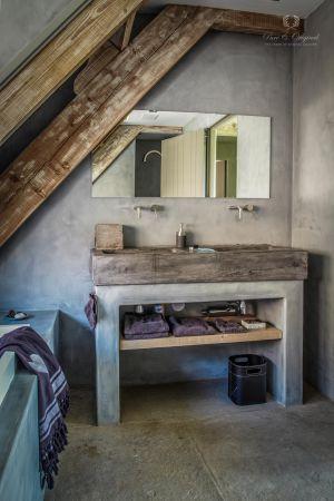 badkamer bathroom betonlook tadelakt look color Evening Shadow by Pure & Original