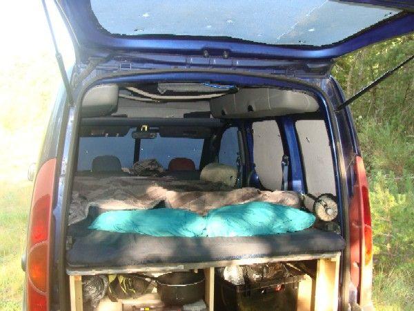 les 25 meilleures id es de la cat gorie amenagement kangoo sur pinterest kangoo camping t5 et. Black Bedroom Furniture Sets. Home Design Ideas