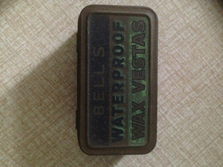 Vesta Wax Match Tin with contents, 7cm.