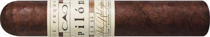 CAO Pilon Robusto 90014435 bei Cigarworld.de dem Online-Shop mit Europas größter Auswahl an Zigarren kaufen. 3% Kistenrabatt, viele Zahlungsmöglichkeiten, Expressversand, Personal Humidor uvm.