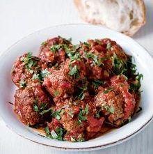 Tapas: Spaanse gehaktballetjes in tomatensaus