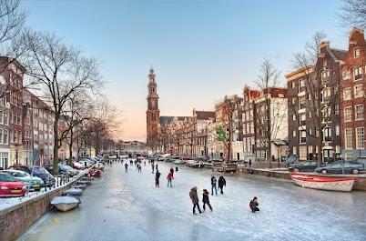 Ice Skating on Prinsengracht Amsterdam