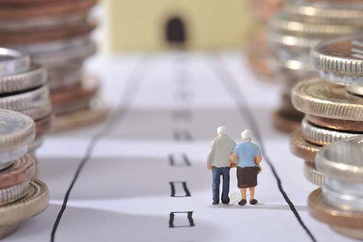 Zorunlu bireysel emeklilik sistemi (BES) yeni bir sistem değil. Sistemin özünü 2001 yılından bu yana uygulanan 4632 sayılı yasa oluşturuyor. Yapılan değişiklikle sisteme gönüllü giriş, kesinti oranları, yaş ve statü gibi birçok ölçüt değiştirildi. 10 soruda yeni sistemi ele alıyoruz.
