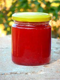 Hola!!  otra de las mermeladas que he probado de hacer ha sido la mermelada de pimientos rojos, ya que el año pasado me quedé con las gana...
