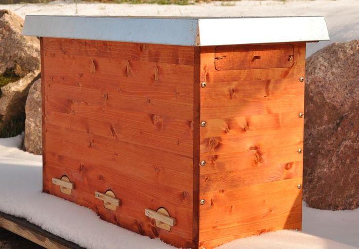 Die #Einraumbeute ist eine moderne Trogbeute, die nach den Gesichtspunkten der wesensgemäßen Bienenhaltung entwickelt worden ist.