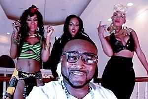 Shawty Lo - Boss Bitch ft Lola Monroe, Tiffany Foxx & Jai Jai http://www.slack-time.com/music-video-15310-Shawty-Lo-Boss-Bitch #musicvideo #videopremiere