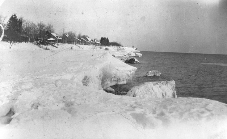 Heydenshore Park in Winter. c.1920-1925 - Whitby, Ontario. I remember these cottages from childhood.