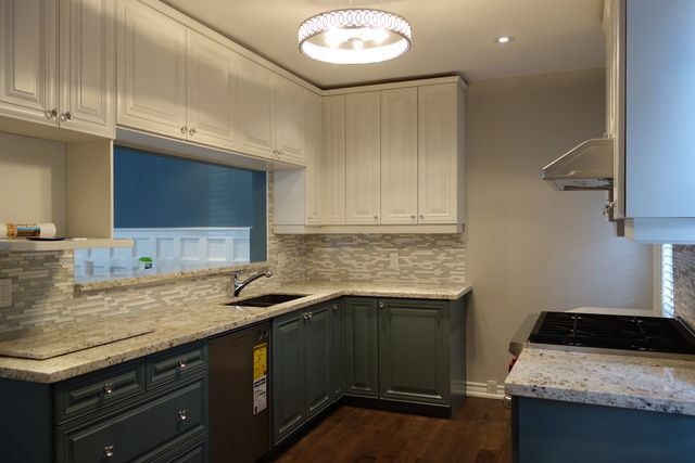 EcoRefinishers Toronto Kitchen Cabinets has 47 reviews and average rating of 9.91489 out of 10 Toronto area