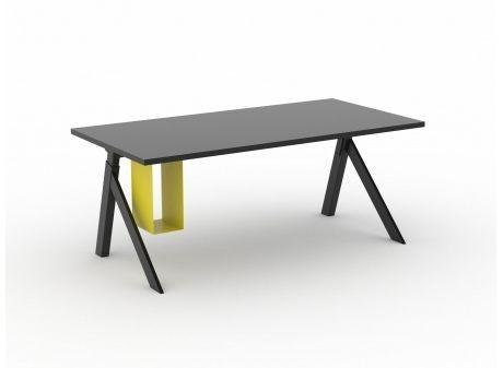 HOLD ME // CPU-holder & ophæng til skrivebordet. Design: Friis & Moltke