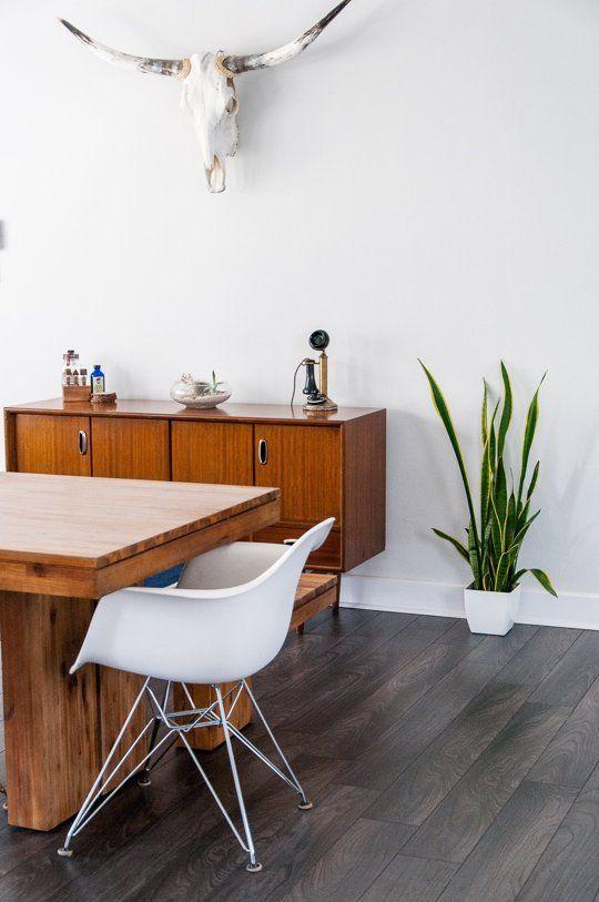 Nikou & Travis' Modern, Minimal Marfa-Inspired Apartment — House Tour